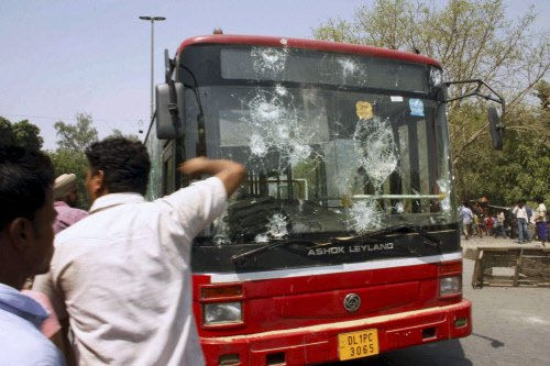 Delhi government to hire private guards as marshals in buses