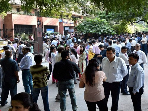 Tremors scare Gurgaon residents, helpline numbers fail to respond