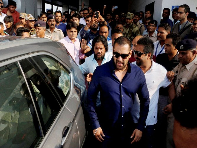 Police may have tampered with Salman's car after mishap:lawyer