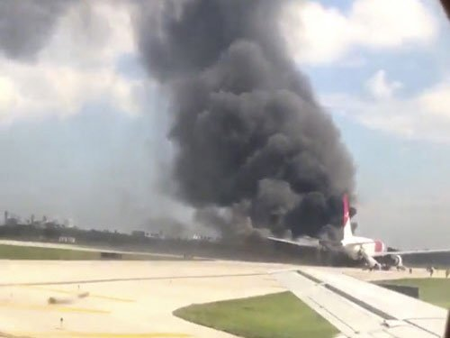Airplane fire at Florida airport injures 15