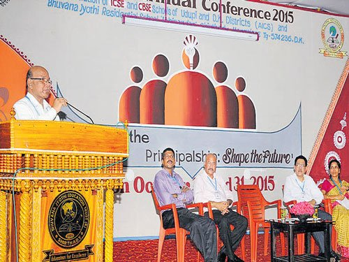 'Role of principal, teachers in schools should be recognised'