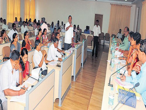 'Govt's initiatives to help farmers less effective in coastal region'