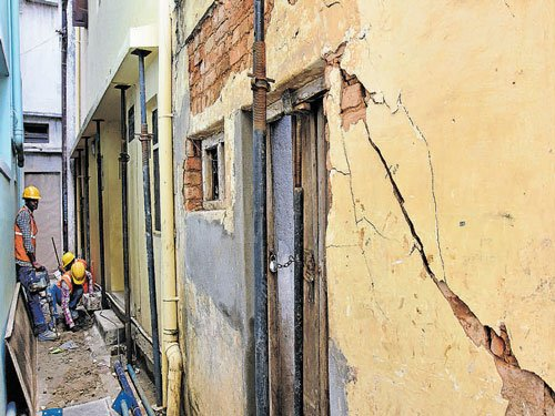 Metro tunnel-boring  causes cracks in buildings