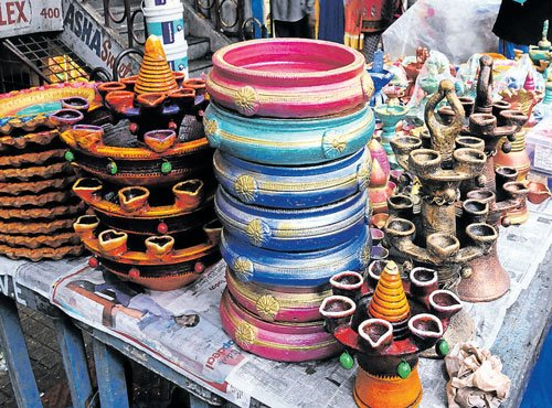 Fancy, Chinese lamps bring  darkness in local artisans' lives