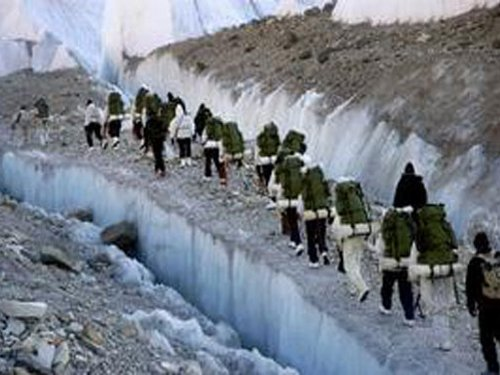 Avalanche hits Army patrol party in Siachen, Capt dies