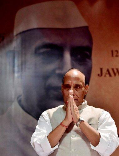 Rajnath pays rich tributes to Nehru