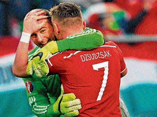 Hungary end long wait with Euro entry