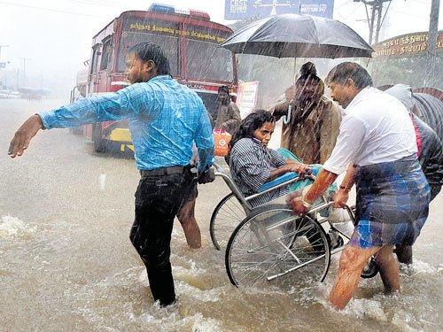 Air, rail traffic hit as rain pounds TN