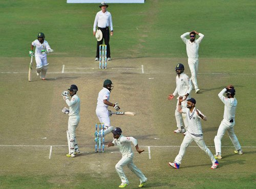 Rahane shines with 2nd century, SA fight to save Test