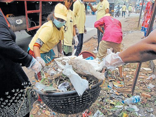 Volunteers continue cleanliness drive