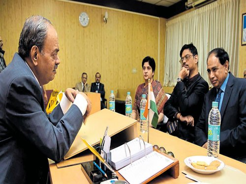 Justice Ananda takes office as Upalokayukta, says will go by law