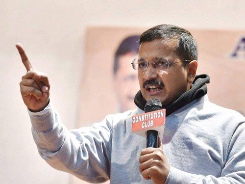 Kejriwal's fresh salvo, claims CBI told to target Opposition