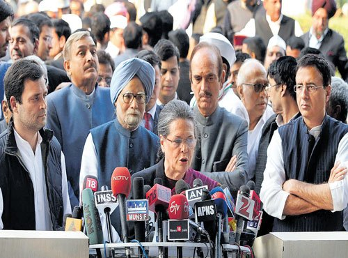 Modi under attack from Sonia, Rahul
