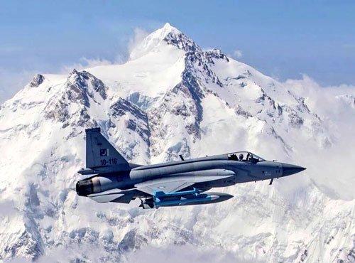 Malaysia mulling options to purchase Pak's JF-17 Thunder jet