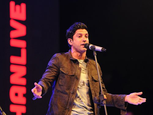 Farhan defends Aamir, SRK over intolerance row