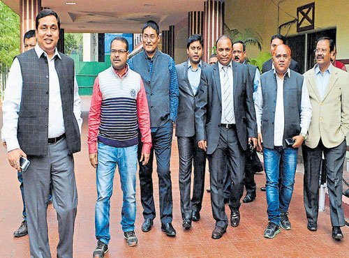 Assam rebel Cong MLAs expelled