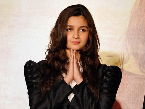 Alia rubbishes rumours of SRK's cameo in Gauri Shinde's next