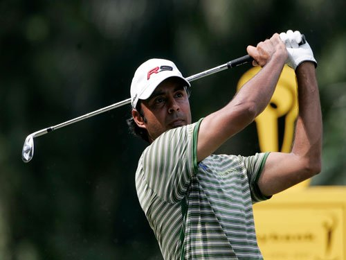 Randhawa soars with two eagles to take four-shot lead