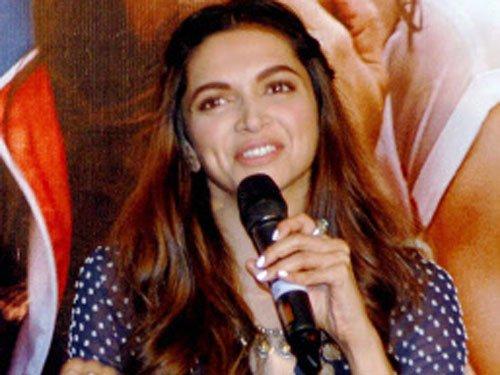 Deepika doesn't like comparisons between Ranveer, Ranbir