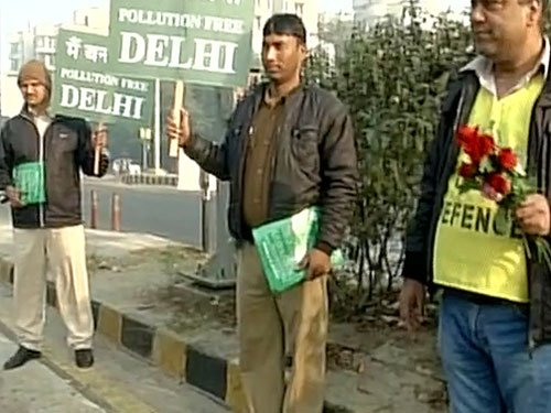 Odd-even scheme: Volunteers join police to enforce plan