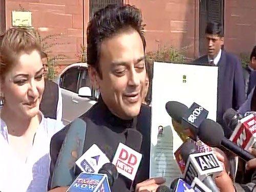 Singer Adnan Sami becomes Indian citizen, says no intolerance