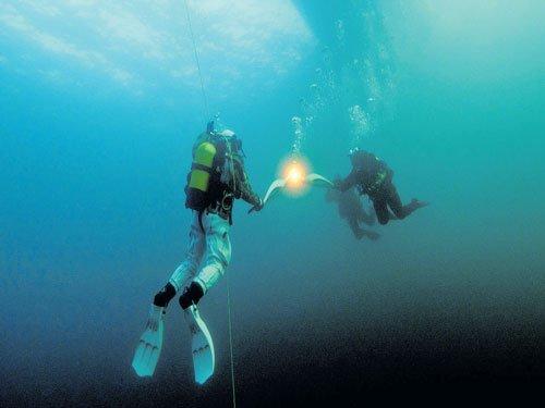 Lakes warm worldwide, trigger ecosystem shifts