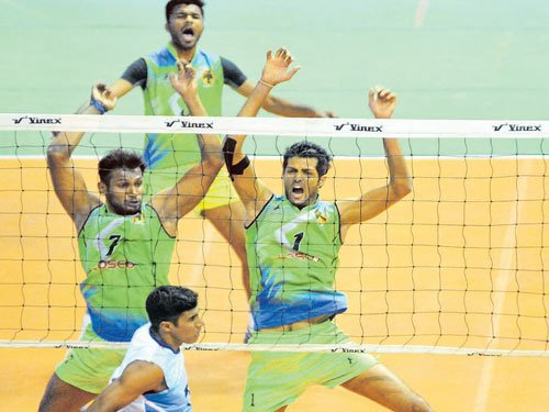 Ruthless hosts beat high-flying Services