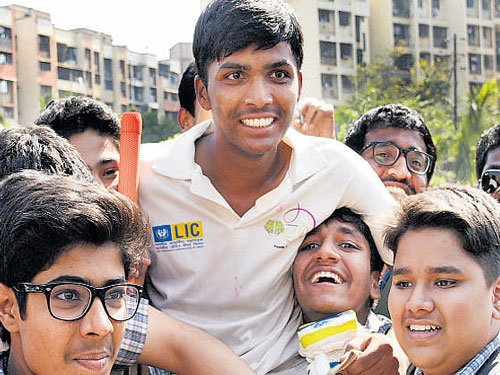 Mumbai lad hits 1,009 not out