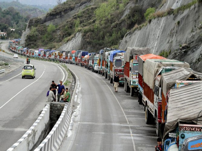 SC extends entry ban on heavy commercial vehicles in Delhi