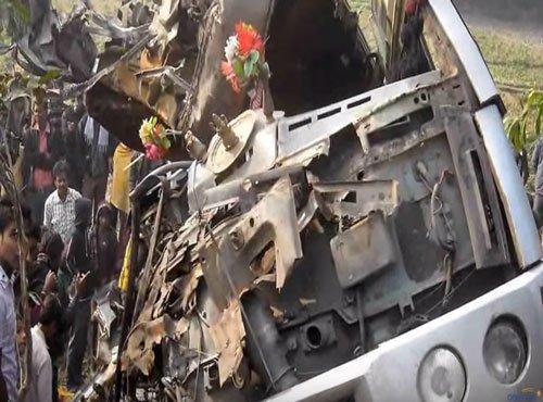 Ten tourists killed, 32 injured in mishap