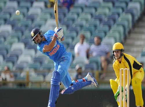 Batsmen disappoint but India wins warm-up game against WA XI