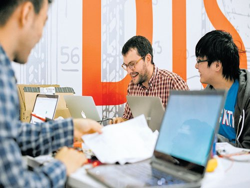 Colleges rush to nurture future entrepreneurs
