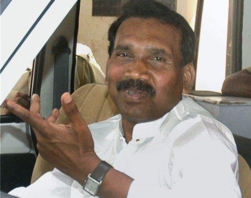 Madhu Koda gets Rs.20 lakh extortion call