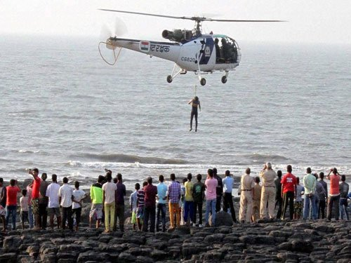 Mumbai 'selfie mishap': Body of man who tried rescuing girls found