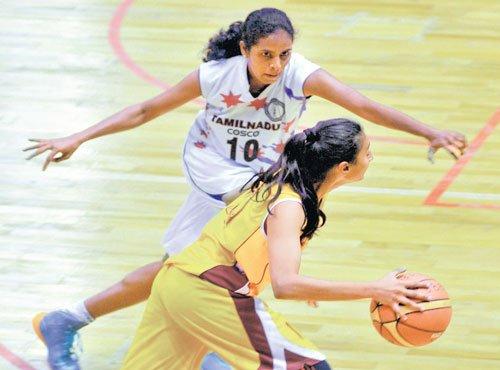 Karnataka eves lose cliffhanger against TN