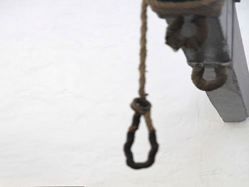 11-year-old boy mimics hanging in TV serial, loses life