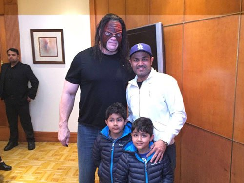 Sehwag teaches WWE superstars how to bat!