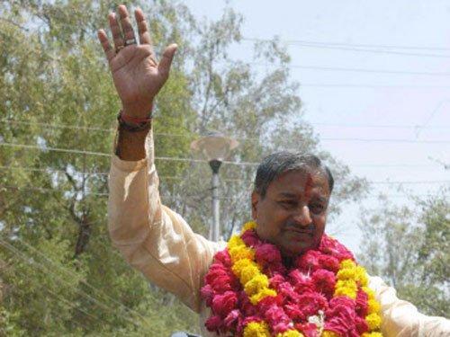 BJP's Vinay Katiyar stopped from entering violence-hit Fatehpur
