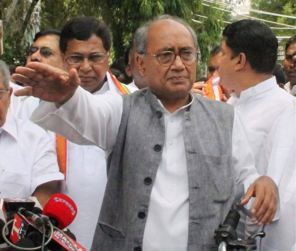 Student suicide: Digvijay asks student wings to unite