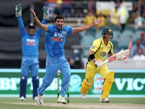 Finch-Warner flay Indian bowling as Australia score 348/8