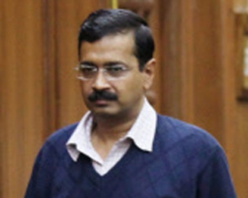 Sack vice chancellor, Irani must apologize: Kejriwal