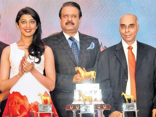 Bangalore Derby trophy unveiled