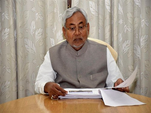 Sell milk and vegetables, Nitish tells liquor traders
