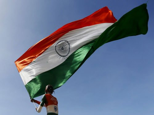 Parrikar hoists country's largest, tallest Tricolour in Ranchi