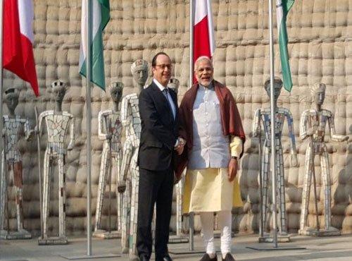 Modi meets Hollande at Chandigarh's Rock Garden