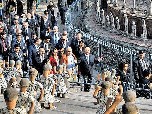 Bhangra beats welcome Hollande