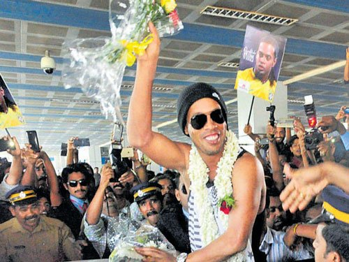 Ronaldinho escapes unhurt