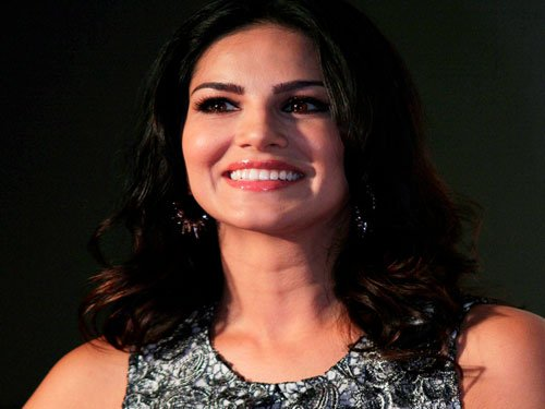 Would be happiest girl if I could work with Aamir: Sunny Leone