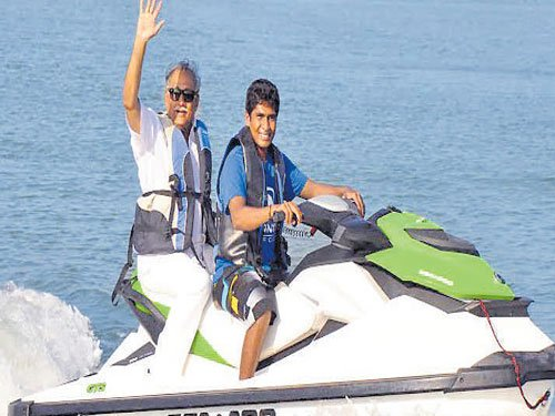 Impart training to life guards, says Sindhia