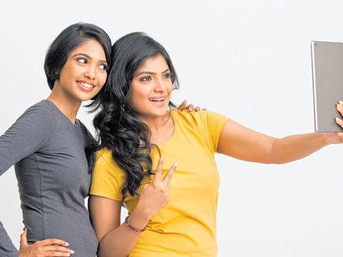 Women take more selfies than men!